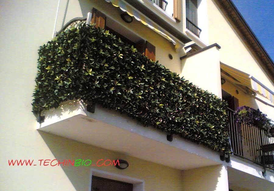 Siepi artificiali siepe finta sintetica vendita siepe for Idee per coprire ringhiera balcone