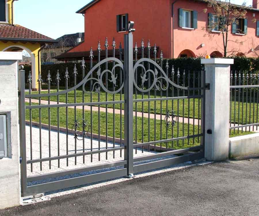 Très cancello in ferro, cancelli in ferro battuto, recinzioni in ferro, ZL52