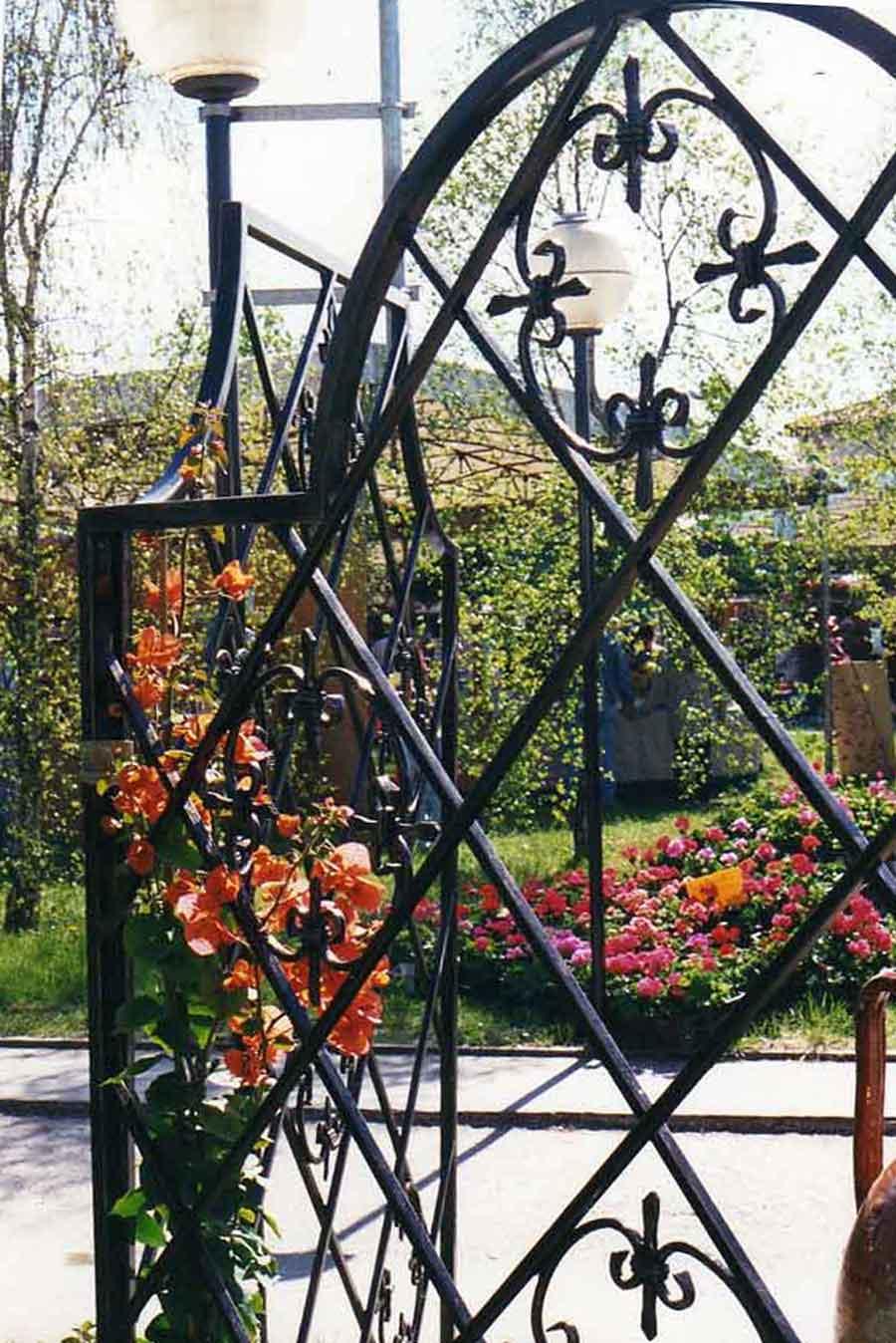 Legnaia box esterno pannello ferro forgiato minibox for Divisori giardino