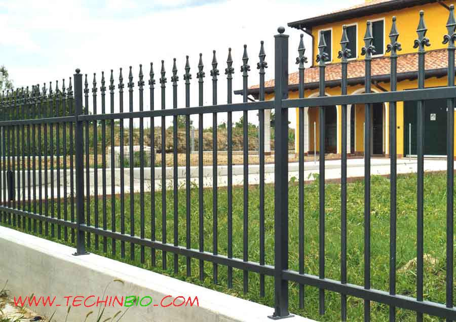 Recinzioni in ferro recinzione recinzioni metalliche for Pannelli recinzione giardino